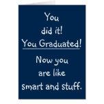 Tarjeta divertida de la graduación de la
