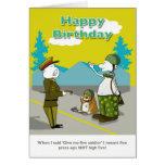 Tarjeta divertida del feliz cumpleaños del soldado