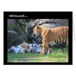 Tarjeta divertida del retiro, tigre el dormir