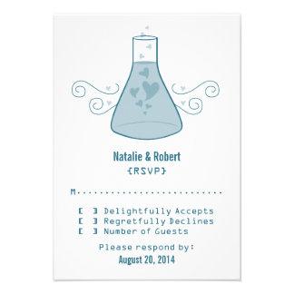 Tarjeta dulce azul de la respuesta de la química invitacion personalizada