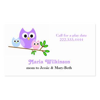 Tarjeta en colores pastel de la mamá de los búhos tarjetas de visita