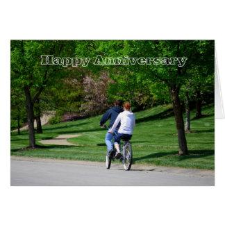 Tarjeta feliz del aniversario de la bicicleta en