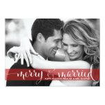 Tarjeta feliz y casada roja de la foto del día de invitacion personal