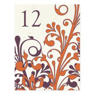 Tarjeta floral anaranjada púrpura de la tabla del postales