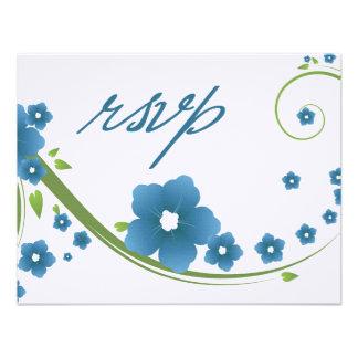Tarjeta floral azul de la respuesta de la contesta invitación personalizada
