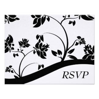 Tarjeta floral negra y blanca de RSVP que se casa Invitacion Personal