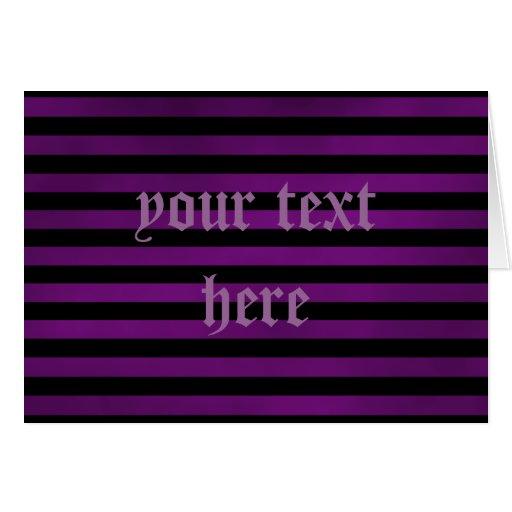 Tarjeta gótica de las rayas sucias púrpuras y negr