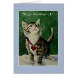 Tarjeta gris del día de San Valentín del gatito