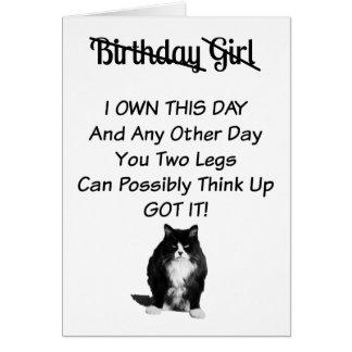 Tarjeta gruñona del chica del cumpleaños del gato
