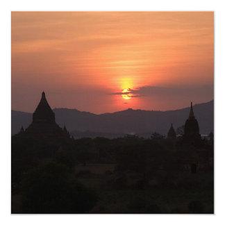 Tarjeta/invitación de la puesta del sol de Bagan