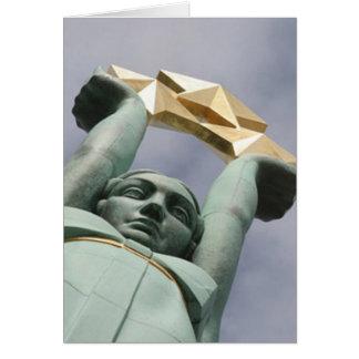 Tarjeta letona del monumento de la libertad