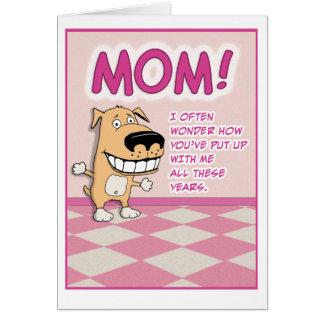 Tarjeta linda, divertida del día de madre: