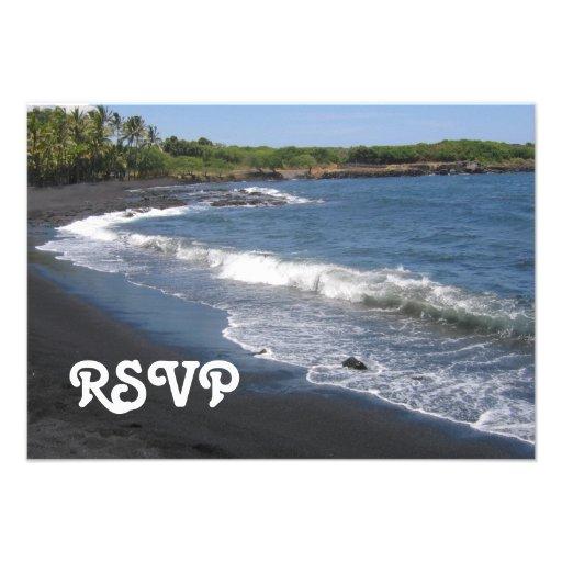 Tarjeta negra de RSVP de la playa de la arena Invitaciones Personales