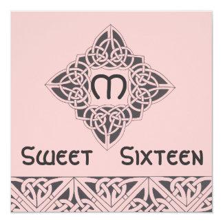 Tarjeta negra rosada céltica de la invitación del