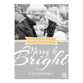 Tarjeta plana de los Navidad Felices y brillantes