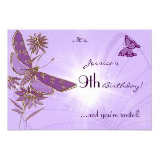 Tarjeta púrpura de la invitación de RSVP del cumpl