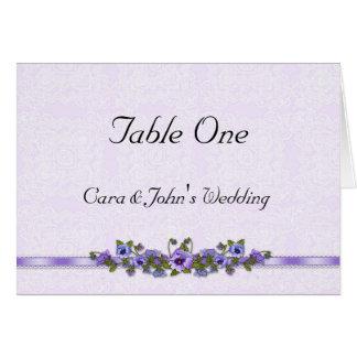 Tarjeta púrpura del asiento de la tabla del pensam