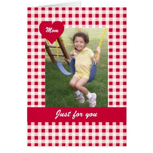 Tarjeta roja de la foto del día de madre de la