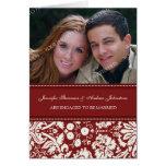Tarjeta roja de la invitación de la foto del compr
