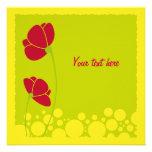 Tarjeta roja de las flores invitaciones personalizada