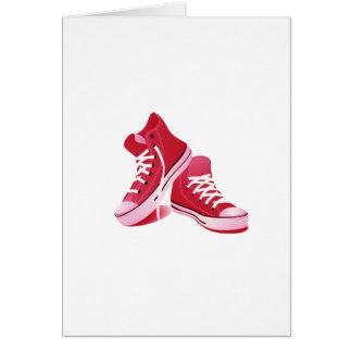 Tarjeta roja de las zapatillas de deporte