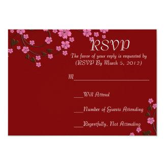 Tarjeta roja de RSVP de la flor de cerezo floral Invitación 12,7 X 17,8 Cm