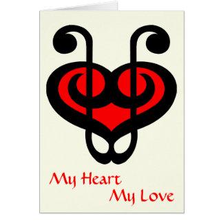Tarjeta roja del amor del corazón del Clef agudo