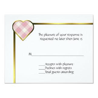 Tarjeta rosada de RSVP del corazón de la tela Invitacion Personal