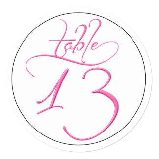 "Tarjeta rosada del número 13 de la mesa redonda de invitación 5.25"" x 5.25"""