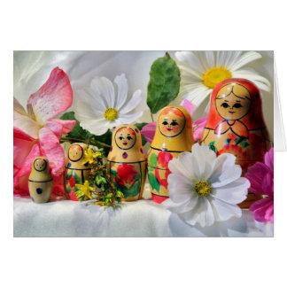 Tarjeta rusa de las muñecas