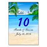 Tarjeta tropical de la tabla del boda de playa