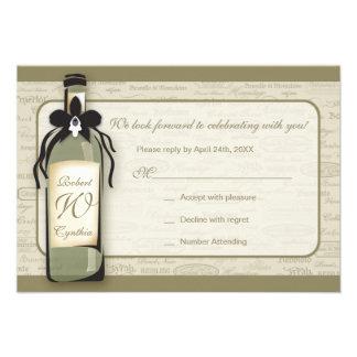 Tarjeta varietal y caprichosa del vino de la botel comunicados