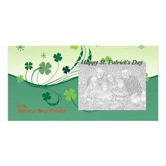 Tarjetas afortunadas de la foto del trébol plantilla para tarjeta de foto