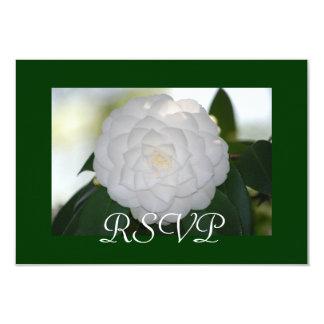 """Tarjetas blancas de RSVP de la camelia Invitación 3.5"""" X 5"""""""