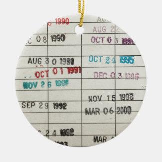 Tarjetas de fecha debida de la biblioteca del adorno navideño redondo de cerámica