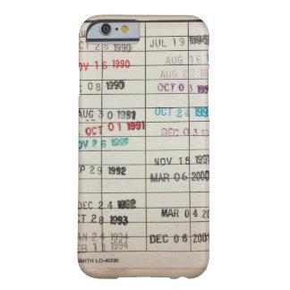 Tarjetas de fecha debida de la biblioteca del funda de iPhone 6 slim