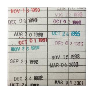 Tarjetas de fecha debida de la biblioteca del vint azulejo cuadrado pequeño