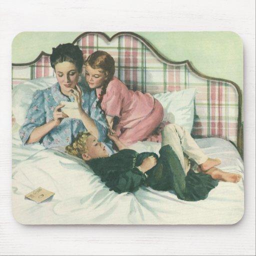 Tarjetas de la lectura de la madre del vintage en alfombrilla de ratón