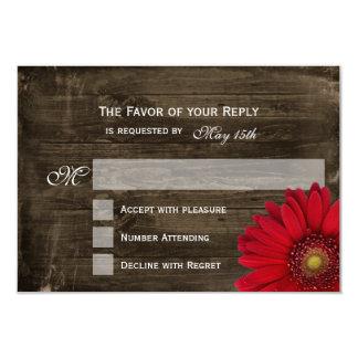 Tarjetas de madera de RSVP de la margarita roja Comunicados