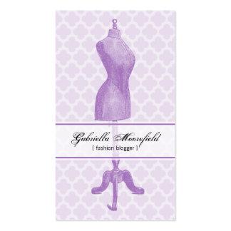 Tarjetas de visita púrpuras de la forma del vestid