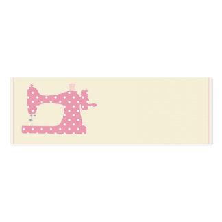 Tarjetas de visita rosadas de la costurera del lun