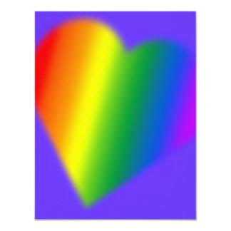 Tarjetas del amor del arco iris de las invitaciones personales