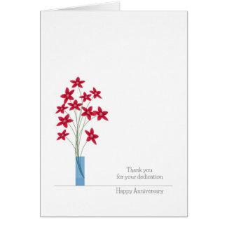 Tarjetas del aniversario del empleado, flores roja
