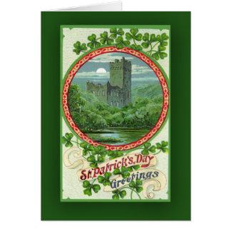 Tarjetas del día de St Patrick con el castillo irl