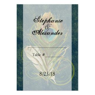 Tarjetas del lugar del boda de la pluma del pavo r tarjetas personales