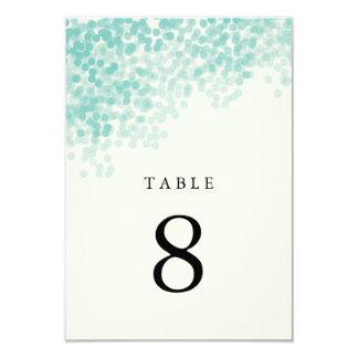 Tarjetas ligeras azules del número de la tabla de invitacion personal