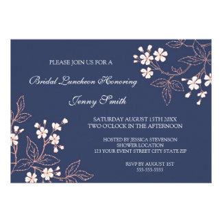 Tarjetas nupciales florales azules coralinas de la