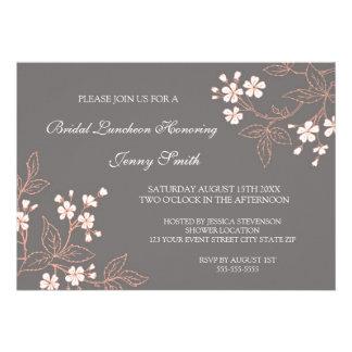 Tarjetas nupciales florales grises coralinas de la