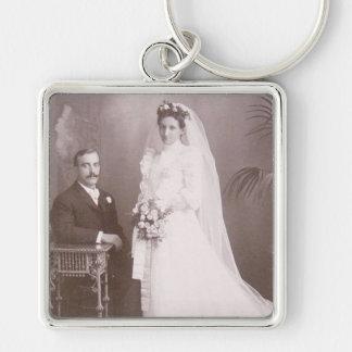 Tarjetas preciosas de novia y del novio de la anti llavero cuadrado plateado