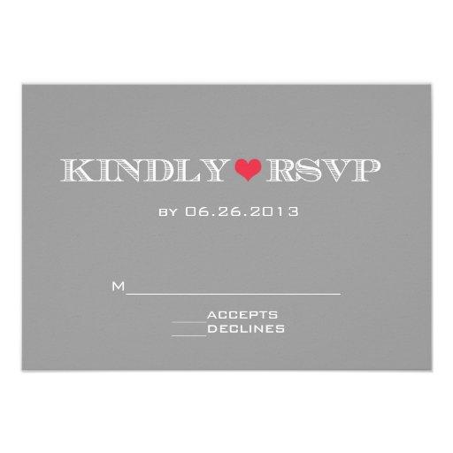 Tarjetas rojas grises de RSVP del corazón que se c Invitaciones Personalizada